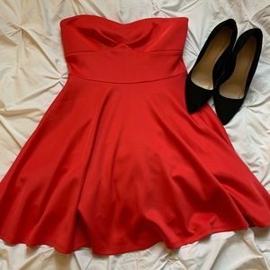 Gorgeous red strapless dress